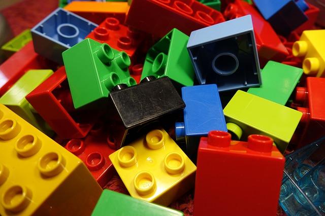 lego-blocks-2458575_640